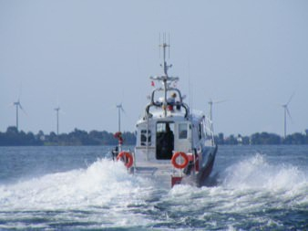 MetalCraft Marine FireStorm 40 high-speed aluminum fireboat